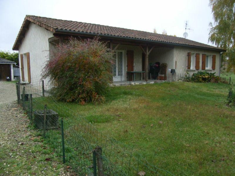 Rental house / villa Barbezieux-saint-hilaire 641€ CC - Picture 1