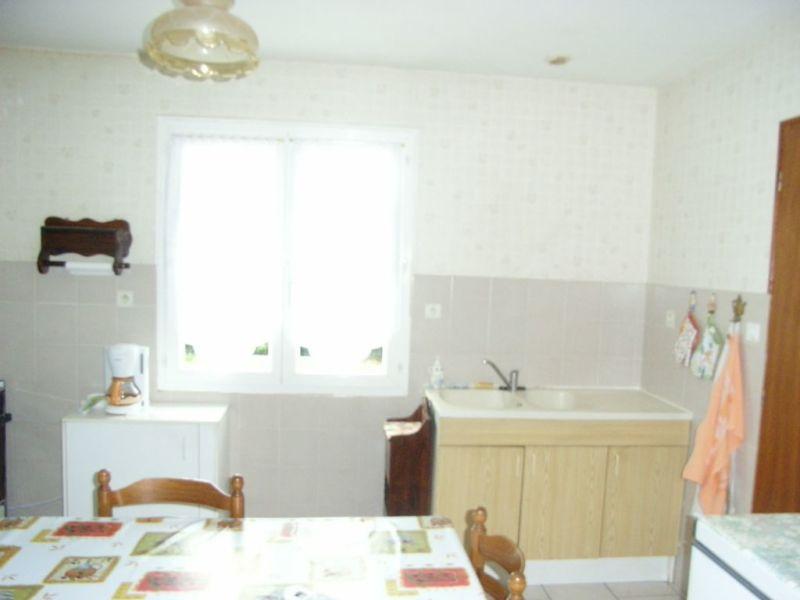Rental house / villa Barbezieux-saint-hilaire 641€ CC - Picture 4