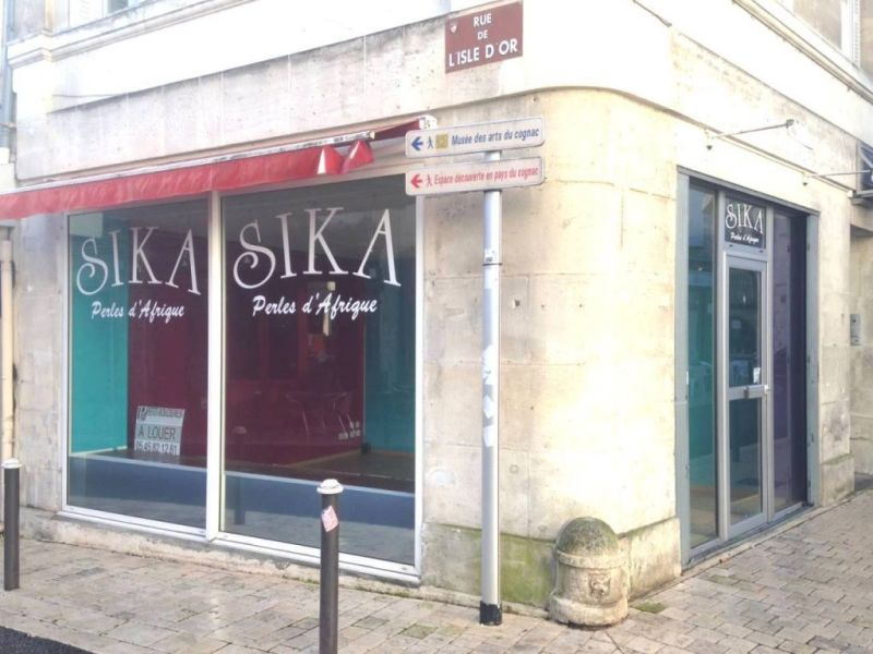 Location local commercial Cognac 448€ HC - Photo 2