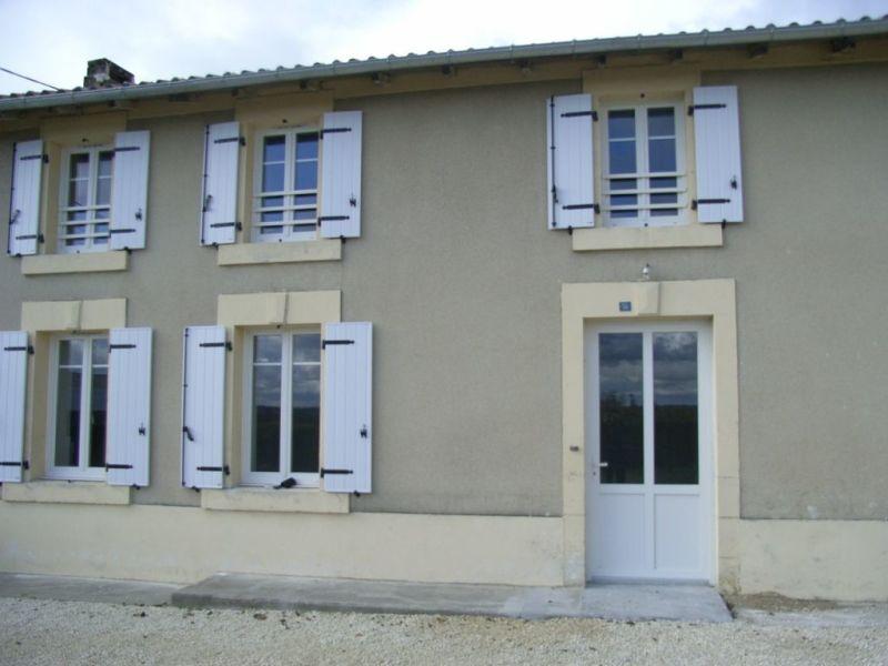 Location maison / villa Brie-sous-archiac 635€ CC - Photo 1