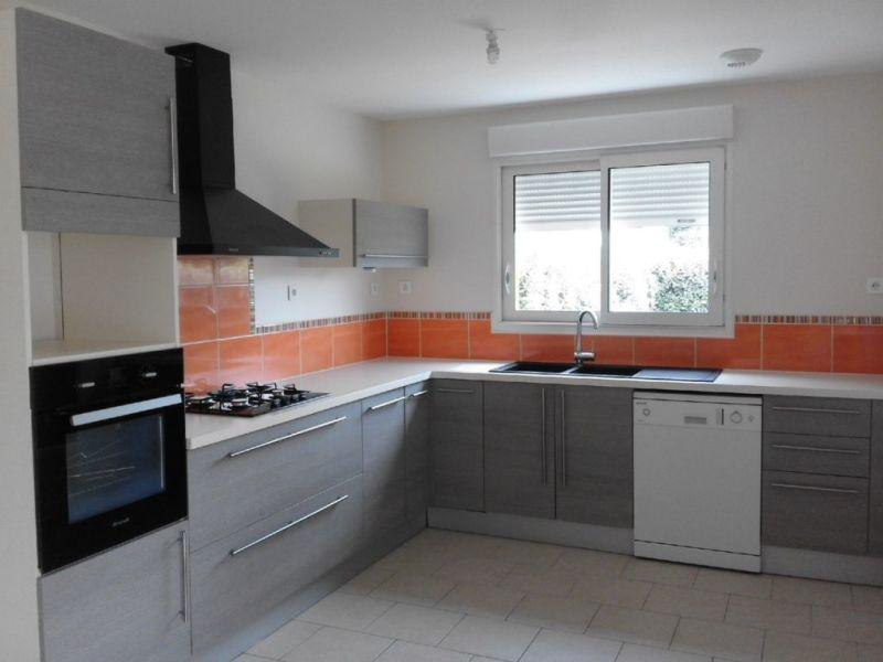 Location maison / villa Montchaude 830€ CC - Photo 2