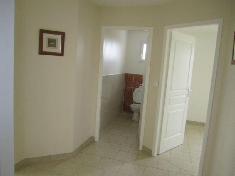 Location maison / villa Montchaude 830€ CC - Photo 7