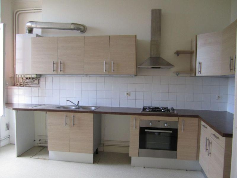 Rental apartment Barbezieux-saint-hilaire 545€ CC - Picture 1