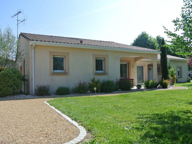 Vente maison / villa Jonzac 488000€ - Photo 9