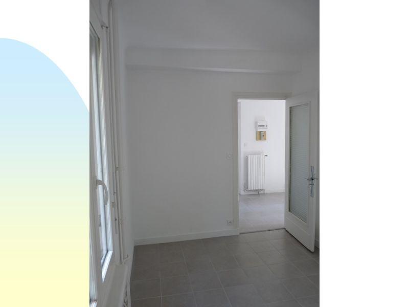 Location appartement Roche-la-moliere 380€ CC - Photo 5