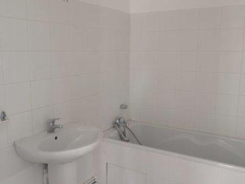 Location appartement Saint-christo-en-jarez 581€ CC - Photo 4