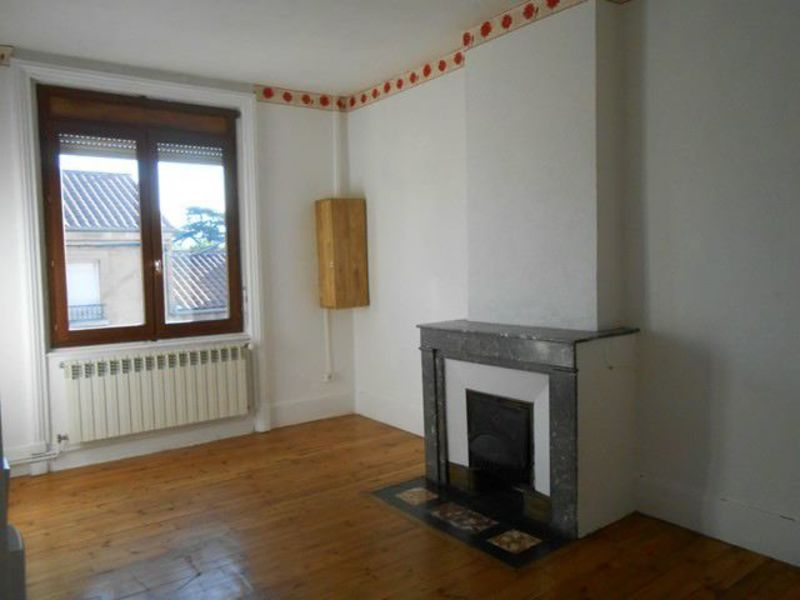 Location appartement Sury-le-comtal 353€ CC - Photo 2