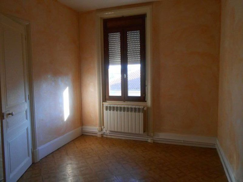 Location appartement Sury-le-comtal 353€ CC - Photo 5