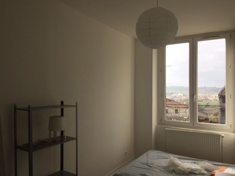 Location appartement Saint-genest-lerpt 595€ CC - Photo 4