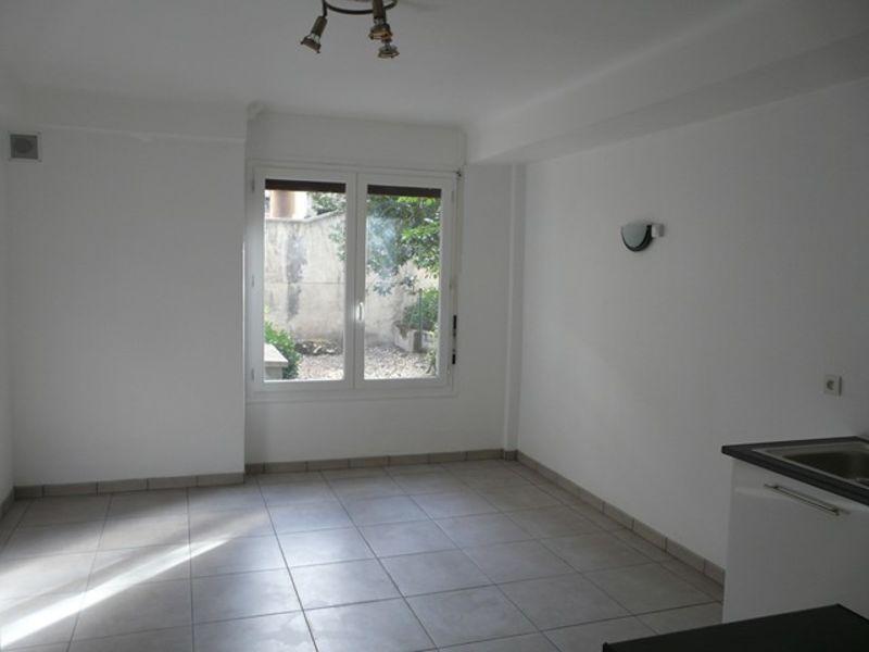 Location appartement Roche-la-moliere 380€ CC - Photo 3