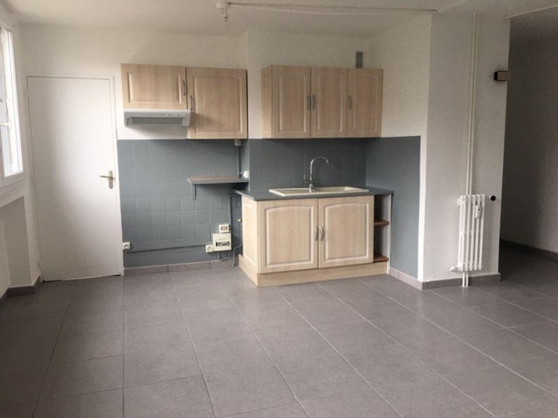 Location appartement Saint-etienne 450€ CC - Photo 1