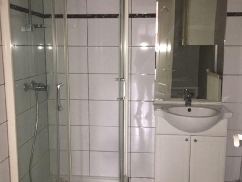 Location appartement Montrond-les-bains 435€ CC - Photo 3