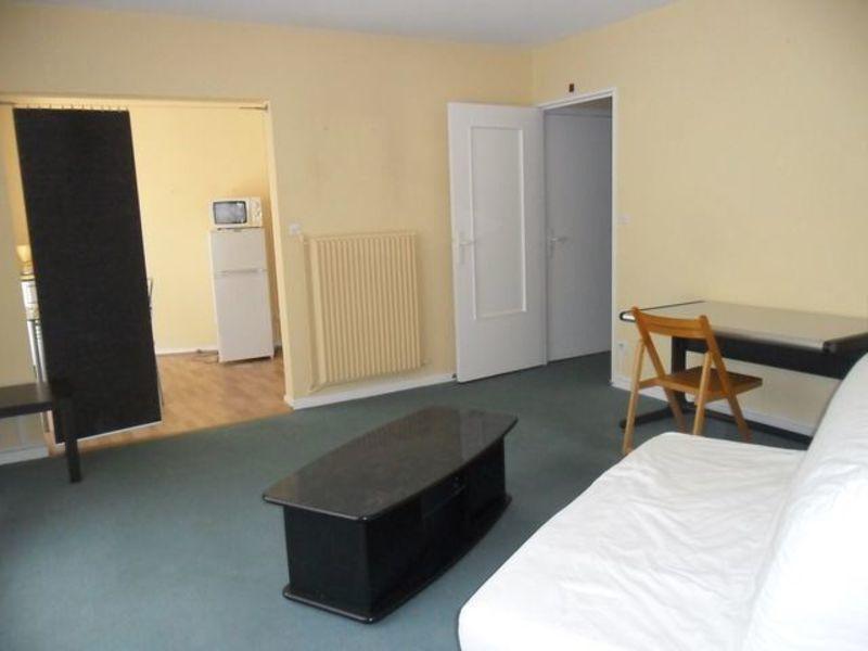 Location appartement Saint-etienne 411€ CC - Photo 1