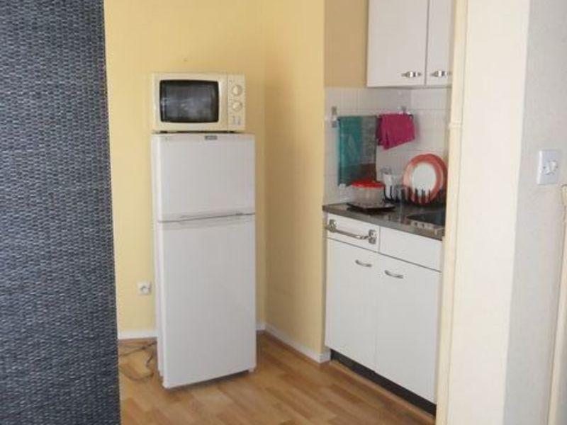 Location appartement Saint-etienne 411€ CC - Photo 3