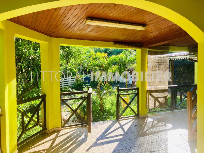 Sale house / villa Saint gilles les hauts 275600€ - Picture 1