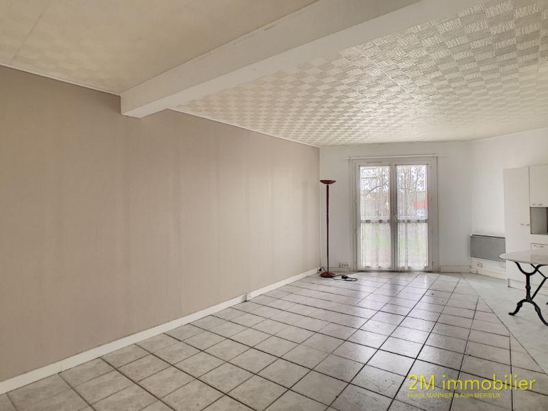 Rental apartment Vaux le penil 590€ CC - Picture 2