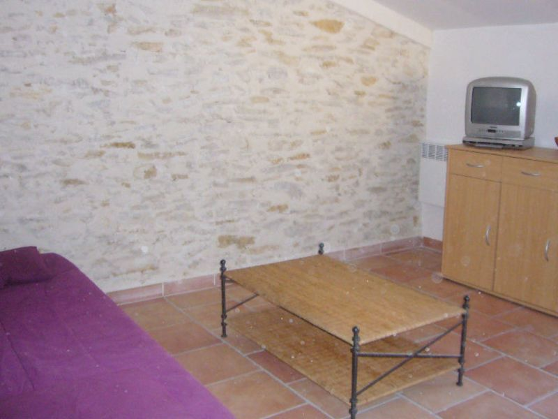 Rental apartment Cenne monesties 353,47€ CC - Picture 3