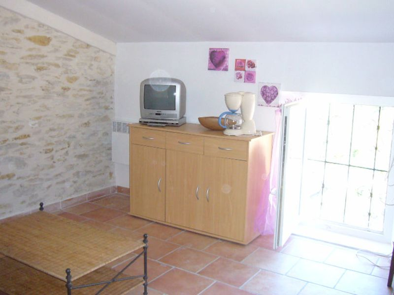 Rental apartment Cenne monesties 353,47€ CC - Picture 4