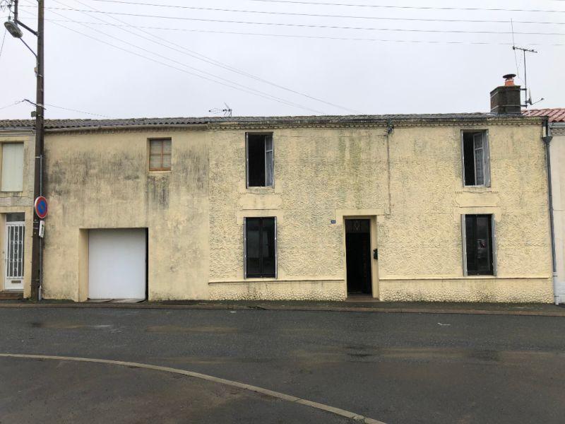Sale house / villa Sevremoine 86150€ - Picture 1