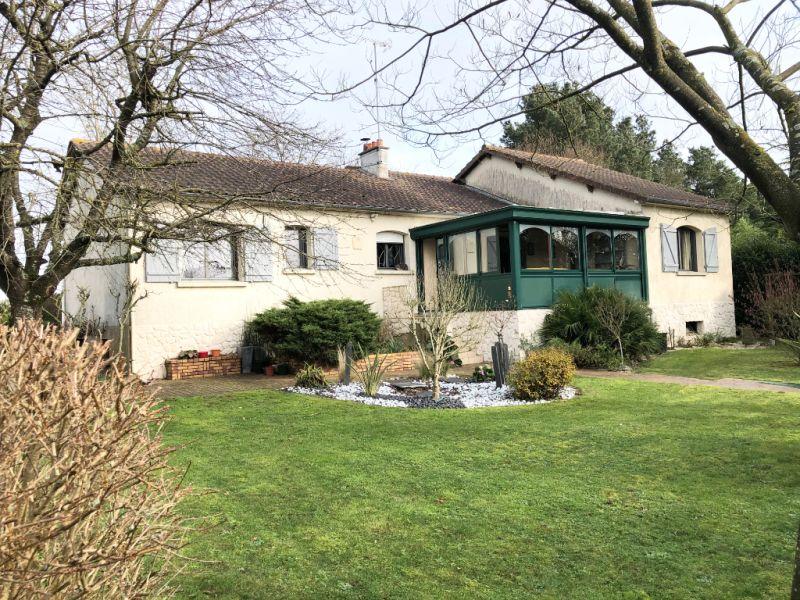 Sale house / villa Jallais 226860€ - Picture 2