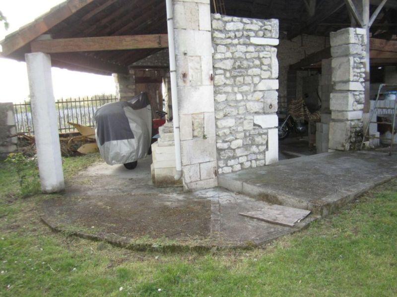 Vente maison / villa Criteuil-la-magdeleine 254000€ - Photo 3
