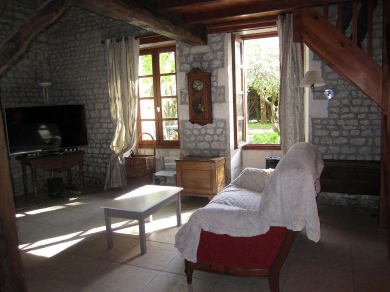 Vente maison / villa Criteuil-la-magdeleine 254000€ - Photo 8