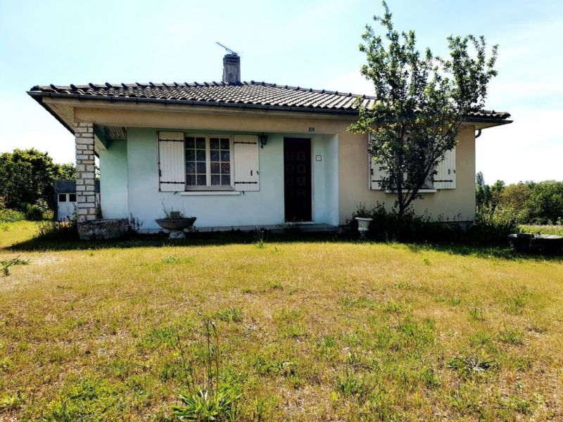 Sale house / villa Blanzac-porcheresse 120500€ - Picture 1