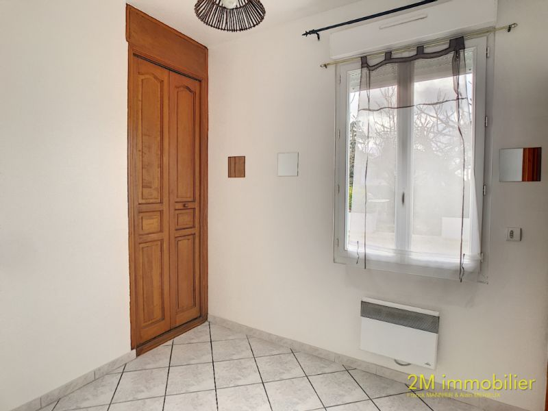 Rental apartment Vaux le penil 595€ CC - Picture 5