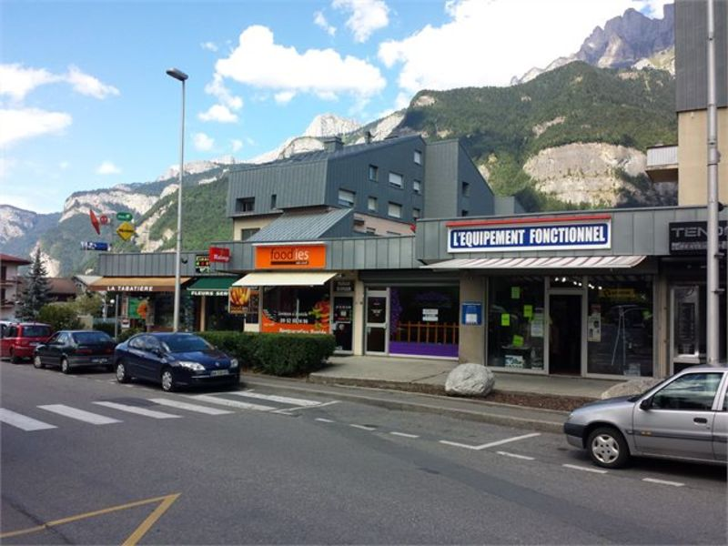 Affitto locale Sallanches 680€ CC - Fotografia 2