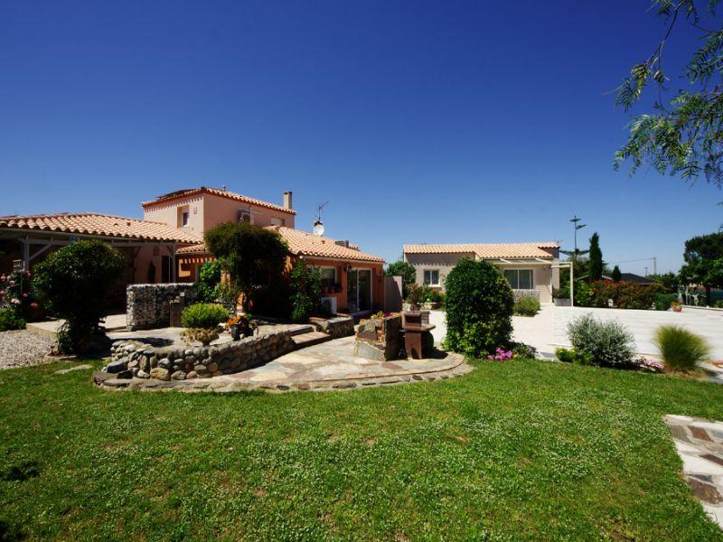Sale house / villa Villelongue dels monts 567000€ - Picture 2