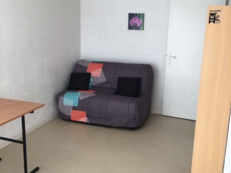 Location appartement Poitiers 355€ CC - Photo 1