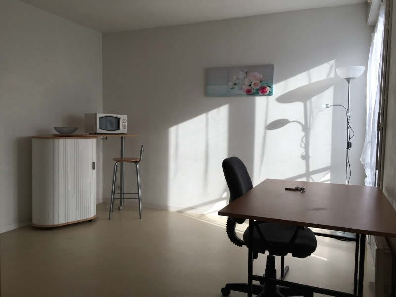 Location appartement Poitiers 355€ CC - Photo 2