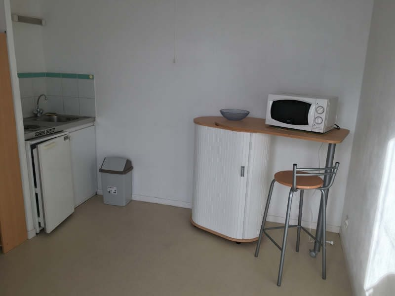 Location appartement Poitiers 355€ CC - Photo 3