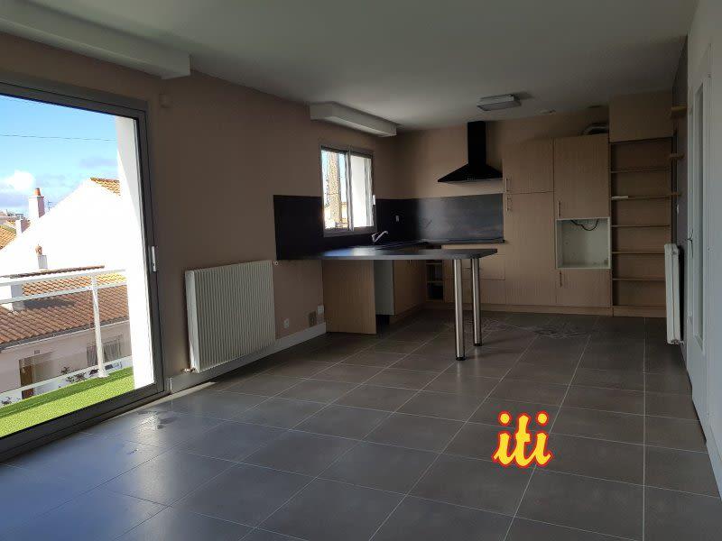 Sale apartment Les sables d'olonne 315000€ - Picture 1