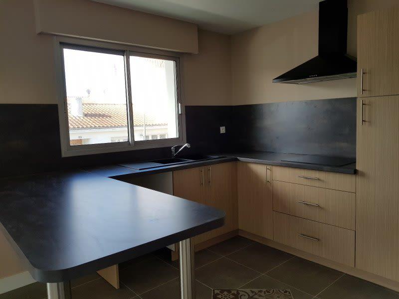 Sale apartment Les sables d'olonne 315000€ - Picture 2