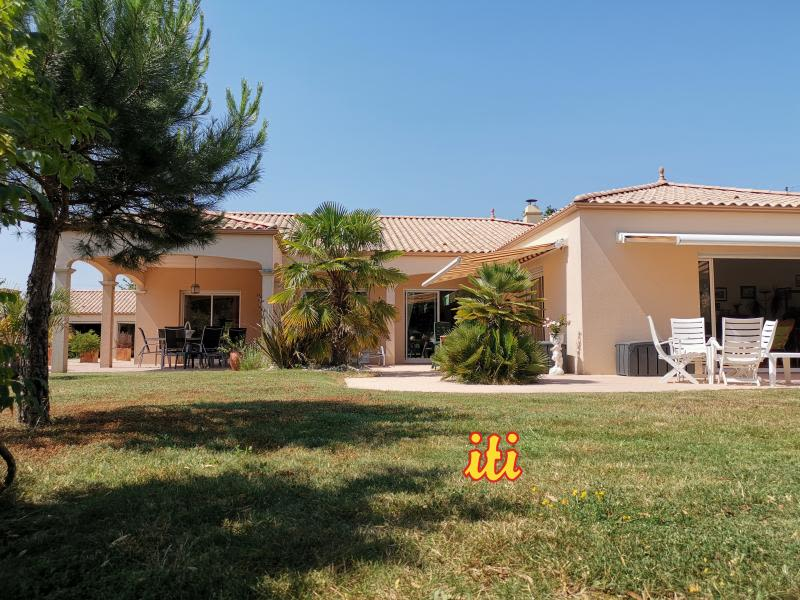 Sale house / villa Vaire 595 000€ - Picture 1
