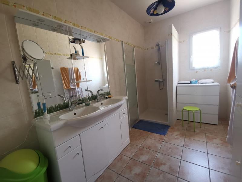 Sale house / villa Vaire 595000€ - Picture 5
