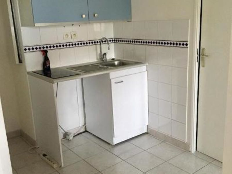 Location appartement Aix en provence 766€ CC - Photo 2