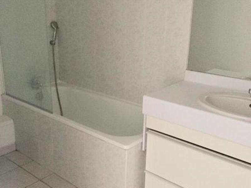 Location appartement Aix en provence 766€ CC - Photo 4