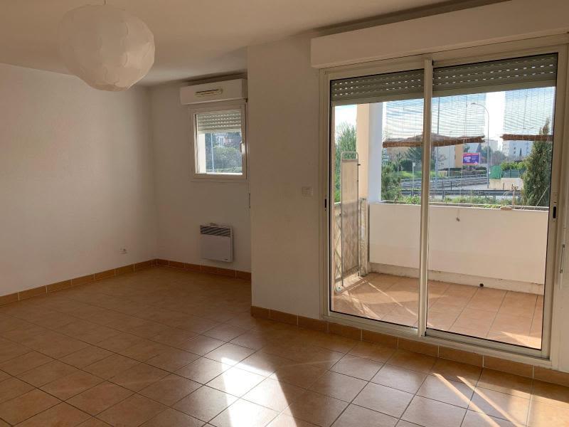 Location appartement Aix en provence 849€ CC - Photo 2
