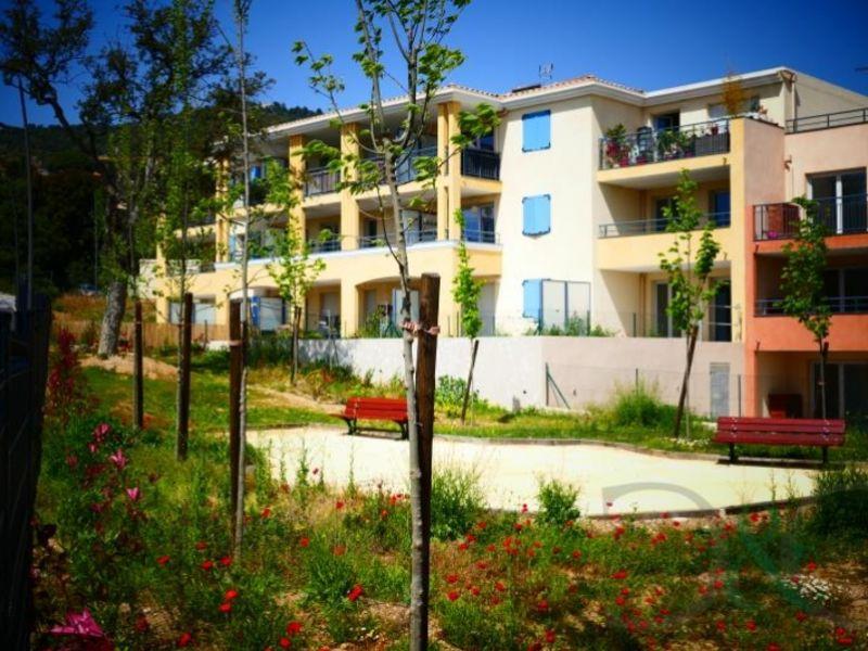 Sale apartment Bormes les mimosas 325000€ - Picture 2