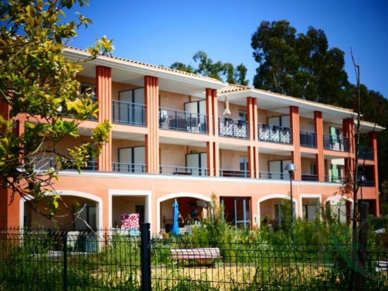 Sale apartment Bormes les mimosas 337000€ - Picture 2