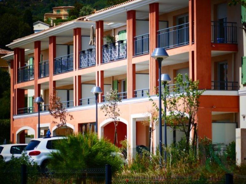Sale apartment Bormes les mimosas 343000€ - Picture 2