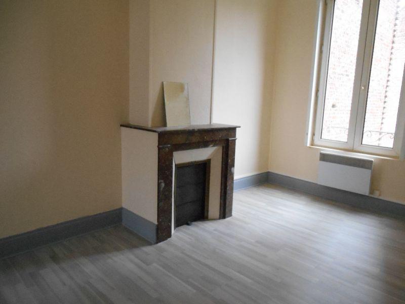 Rental apartment Saint quentin 420€ CC - Picture 1