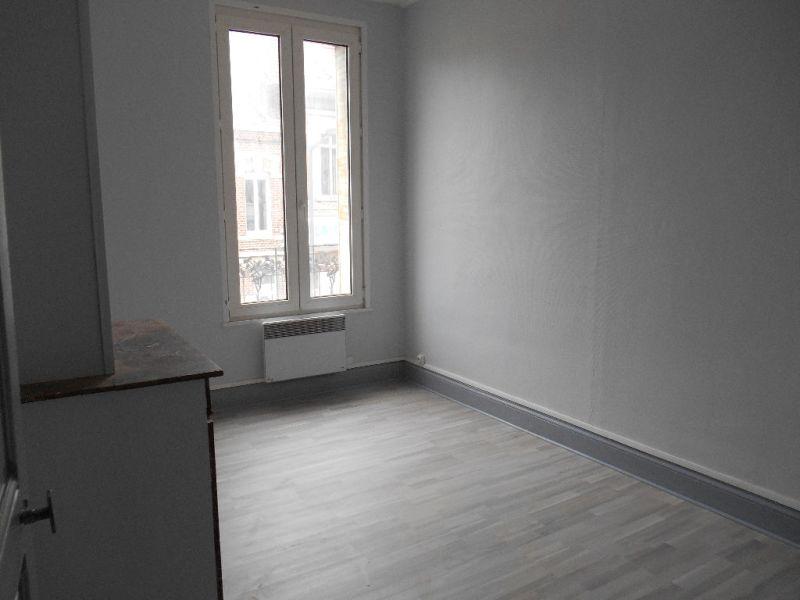 Rental apartment Saint quentin 420€ CC - Picture 3