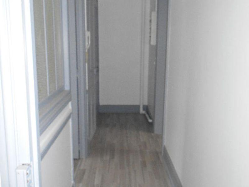 Rental apartment Saint quentin 420€ CC - Picture 6