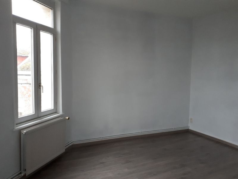 Location appartement Saint quentin 390€ CC - Photo 4