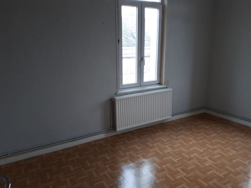 Location appartement Saint quentin 390€ CC - Photo 5