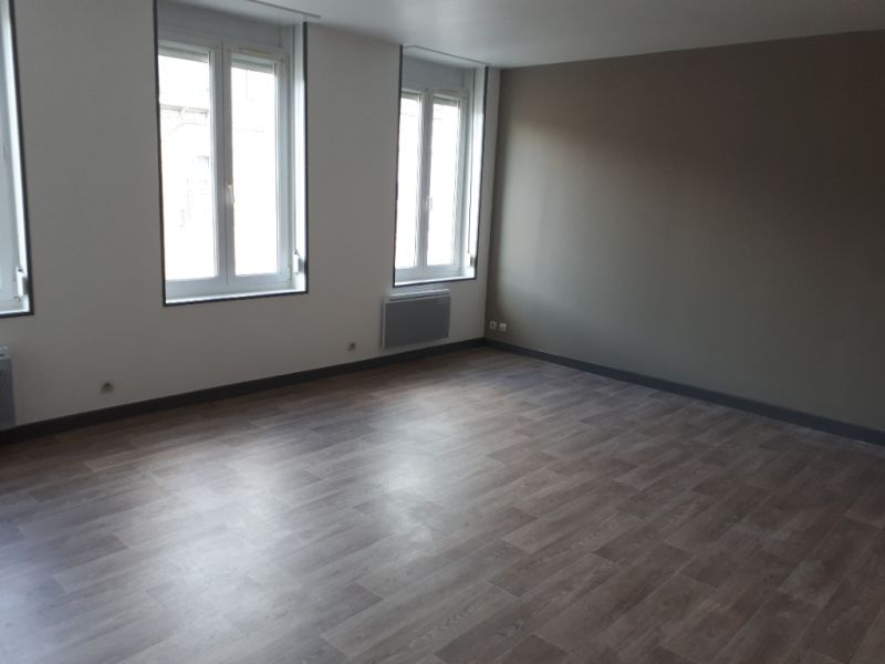 Rental apartment Saint quentin 405€ CC - Picture 4