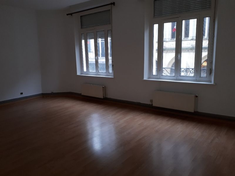 Rental apartment Saint quentin 475€ CC - Picture 2